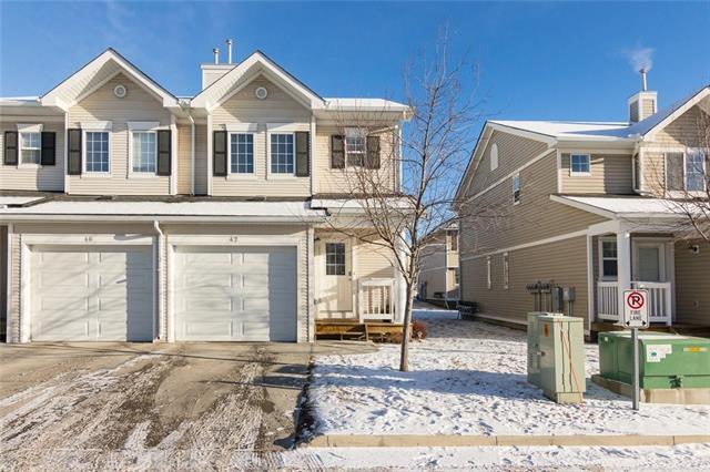 42 Country Village Villa(S) NE, Calgary, AB T3K 0L7 (#C4222391) :: Calgary Homefinders
