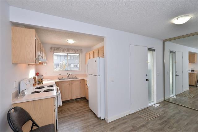 7172 Coach Hill Road SW #135, Calgary, AB T3H 1C8 (#C4225959) :: Redline Real Estate Group Inc
