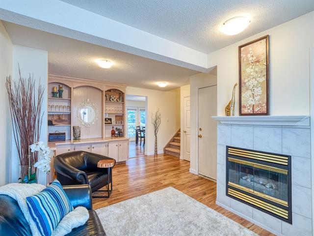 369 Sandstone Drive NW, Calgary, AB T3K 3H1 (#C4226340) :: Redline Real Estate Group Inc