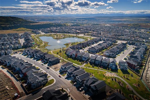 35 Sundown Way, Cochrane, AB T4C 2M4 (#C4228202) :: Redline Real Estate Group Inc