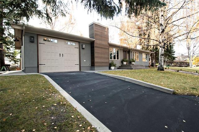 6420 Laurentian Way SW, Calgary, AB T3E 5N1 (#C4228359) :: Redline Real Estate Group Inc