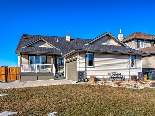 136 Hillview Road, Strathmore, AB T1P 1W2 (#C4229082) :: Redline Real Estate Group Inc