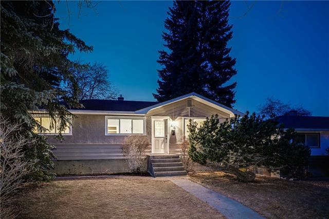 416 Blackthorn Road NW, Calgary, AB T2K 3S3 (#C4235421) :: Calgary Homefinders