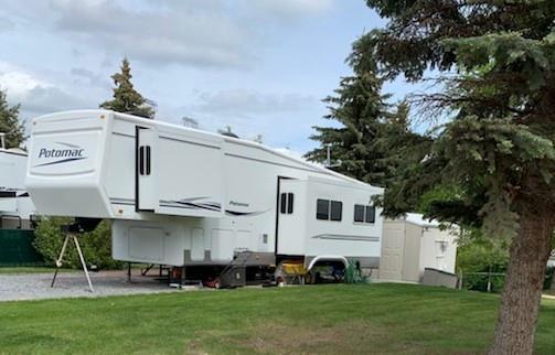 645 Carefree Resort, Rural Red Deer County, AB T4G 0K6 (#C4248806) :: Redline Real Estate Group Inc