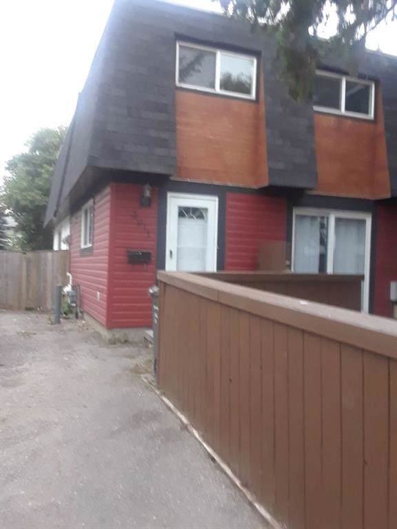 3911 29A Avenue SE, Calgary, AB  (#C4266691) :: Calgary Homefinders