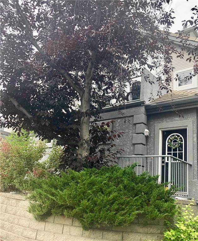 5616 14 Avenue SW #2, Calgary, AB T3H 3P9 (#C4267826) :: Virtu Real Estate