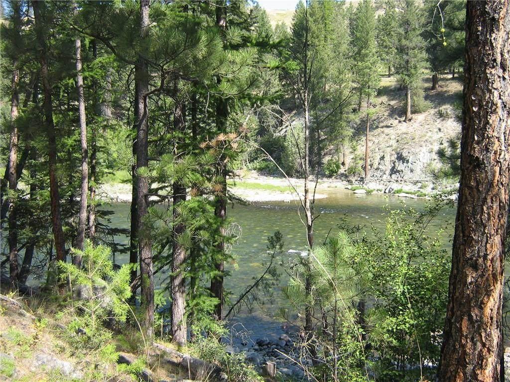 152 River Drive - Photo 1