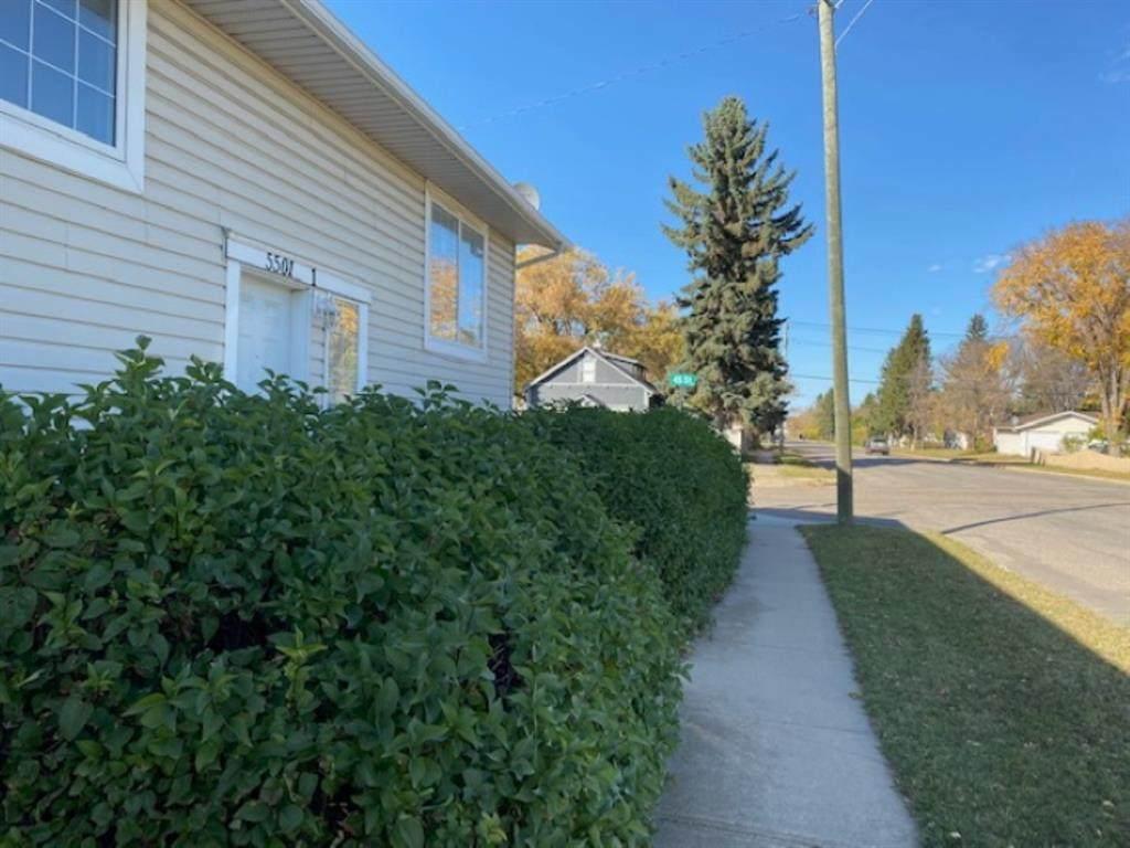 5501 45 Street - Photo 1