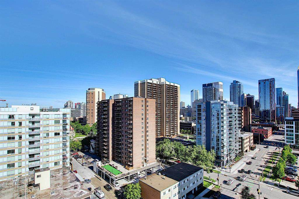540 14 Avenue - Photo 1