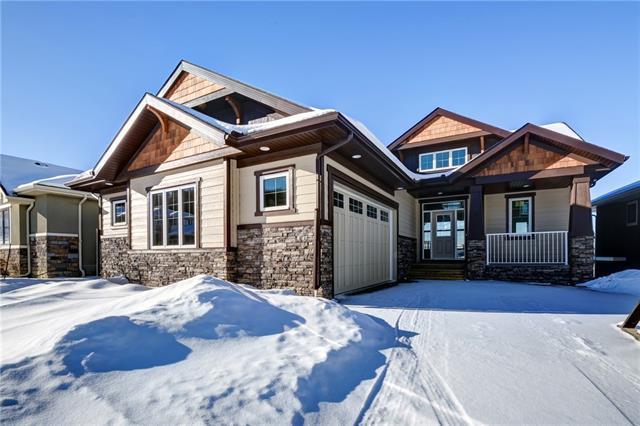 37 Crestridge View SW, Calgary, AB T3B 0M1 (#C4148939) :: Redline Real Estate Group Inc