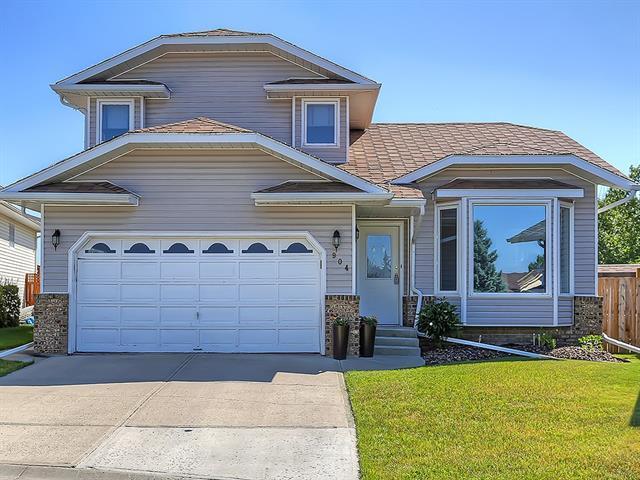 904 High Country Place NW, High River, AB T1V 1E3 (#C4162528) :: Carolina Paredes - RealHomesCalgary.com