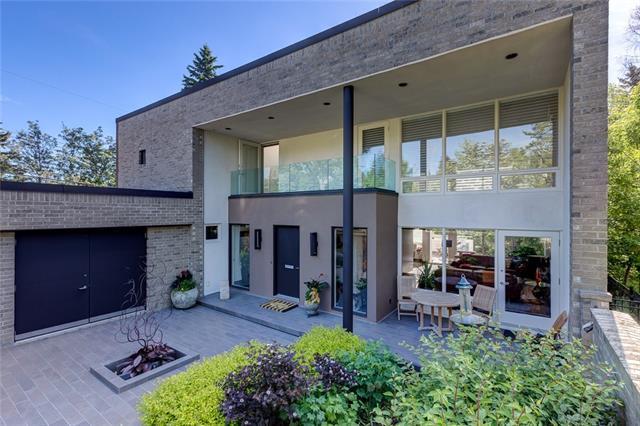 3012 9 Street NW, Calgary, AB T2K 1G5 (#C4186539) :: Canmore & Banff