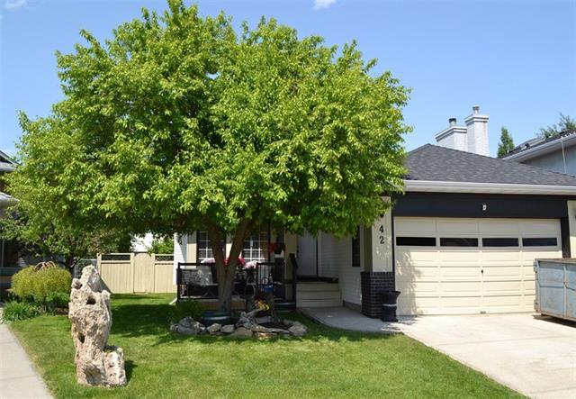 42 Sandalwood Heights NW, Calgary, AB T3K 4B6 (#C4189377) :: The Cliff Stevenson Group