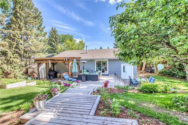 9839 Palistone Road SW, Calgary, AB T2V 3V9 (#C4190865) :: Your Calgary Real Estate