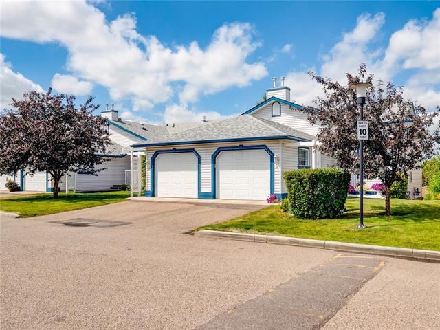 33 Stonegate Drive NW #9, Airdrie, AB T4B 2V6 (#C4196638) :: Canmore & Banff
