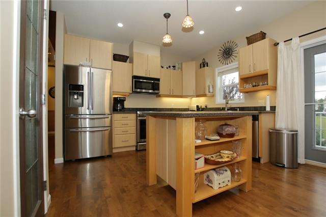 319 Lineham Acres Drive NW, High River, AB  (#C4205438) :: Redline Real Estate Group Inc