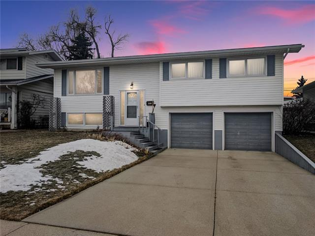 4839 Nelson Road NW, Calgary, AB T2K 2M1 (#C4215066) :: Redline Real Estate Group Inc