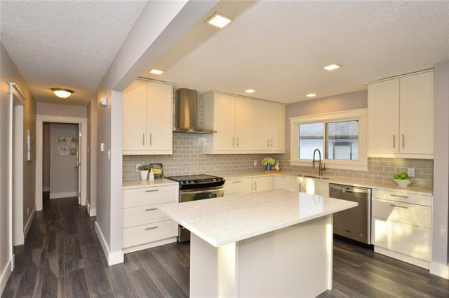 20 Hardisty Place SW, Calgary, AB T2B 3V3 (#C4215321) :: Your Calgary Real Estate