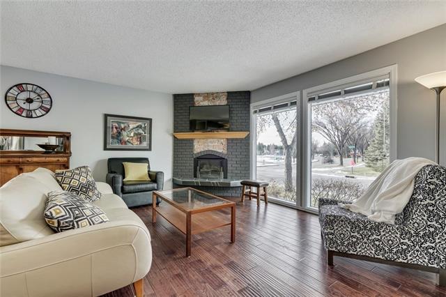 9448 22 Street SW, Calgary, AB T2V 1S1 (#C4216152) :: Your Calgary Real Estate