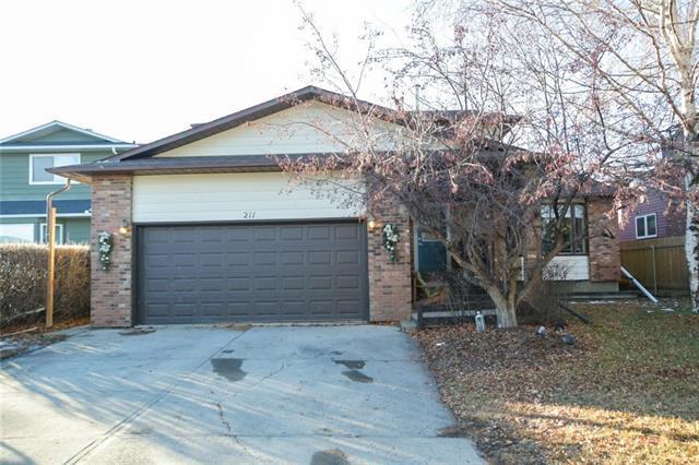 211 Woodrow Place, Okotoks, AB T1S 1L5 (#C4218770) :: Calgary Homefinders