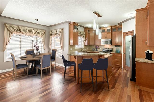 87 Sherwood Circle NW, Calgary, AB T3R 1R3 (#C4219300) :: Redline Real Estate Group Inc