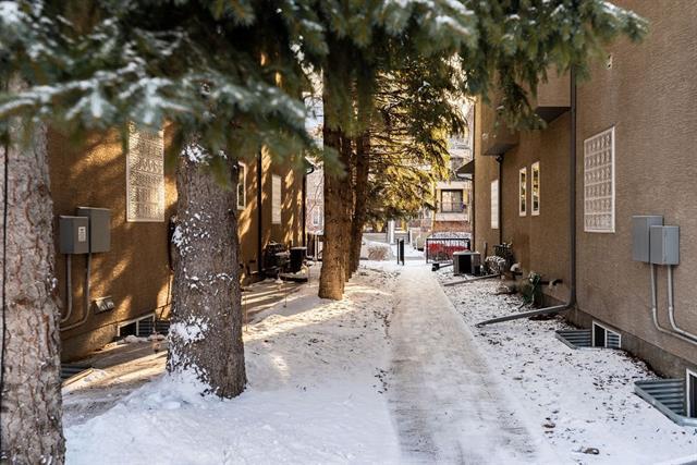 706 56 Avenue SW #2, Calgary, AB T2V 0H1 (#C4222245) :: Redline Real Estate Group Inc