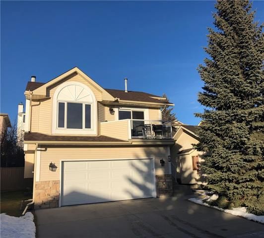 145 Hawkdale Close NW, Calgary, AB T3G 2Z9 (#C4225586) :: Redline Real Estate Group Inc