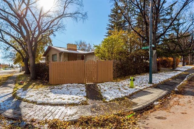 2537 Dogwood Crescent SE, Calgary, AB T2B 1T4 (#C4211022) :: Redline Real Estate Group Inc