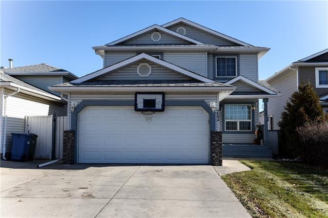 752 Applewood Drive SE, Calgary, AB T2A 7S8 (#C4213560) :: Canmore & Banff