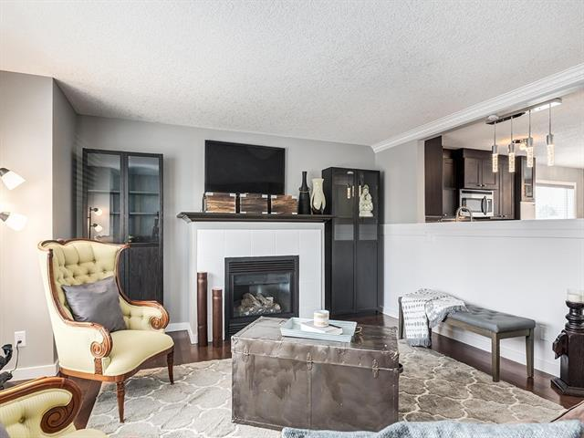 56 Deerfield Drive SE, Calgary, AB T2J 4H6 (#C4166700) :: Canmore & Banff