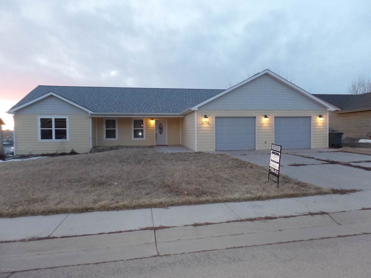 4108 Silver Spur Ave - Photo 1