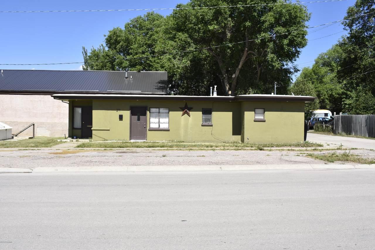 211 S Seneca Ave - Photo 1