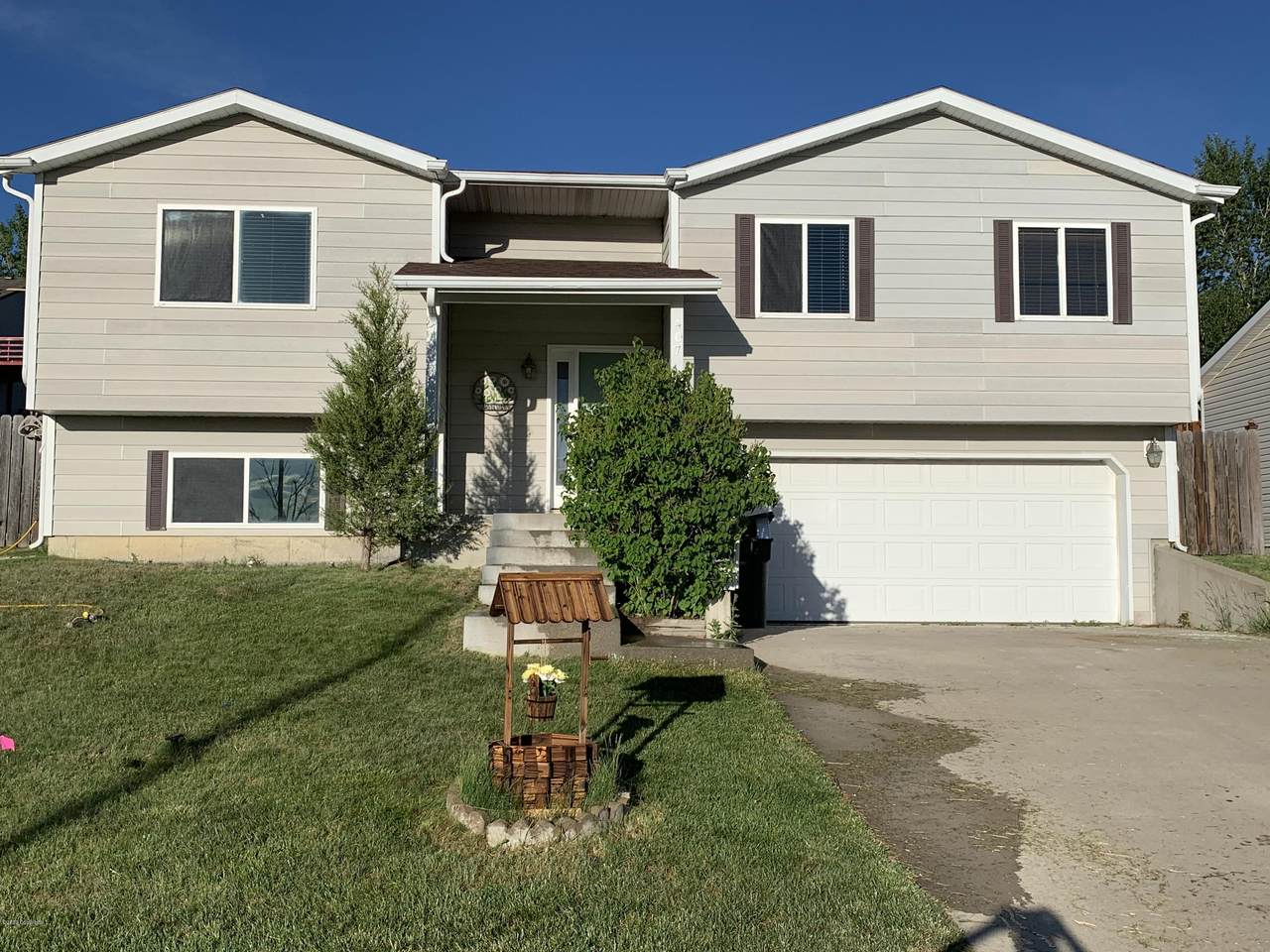 407 Overdale Dr - Photo 1