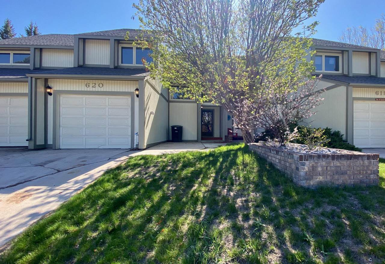 620 Overdale Dr - Photo 1