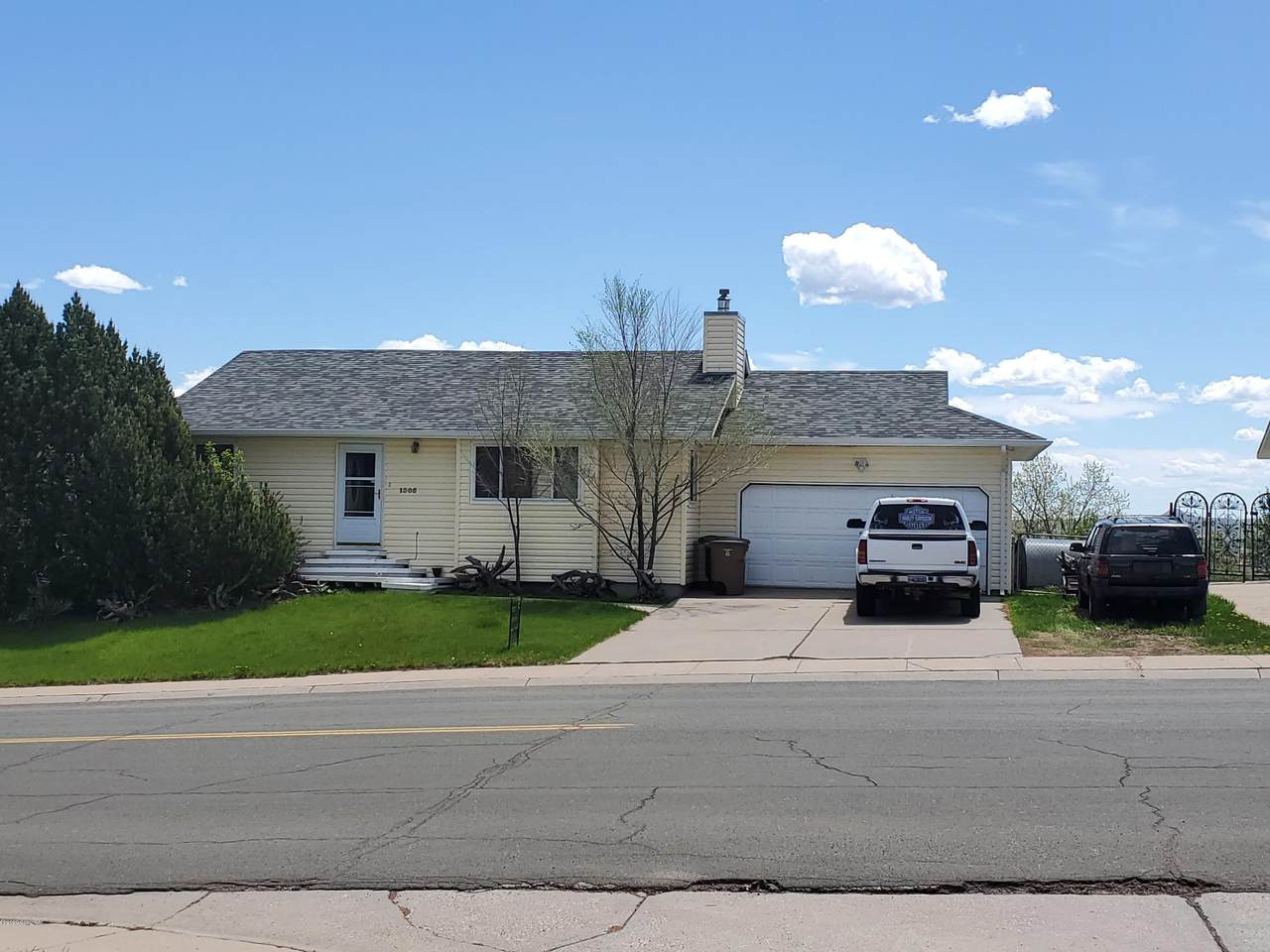 1305 Overdale Dr - Photo 1