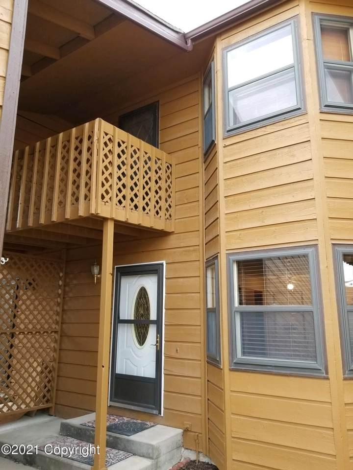 614 Oregon Ave - Photo 1
