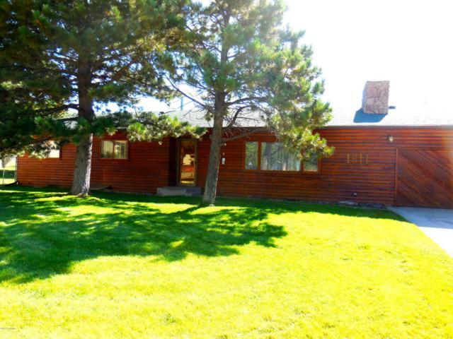 1611 Kathleen Ct -, Gillette, WY 82716 (MLS #17-1414) :: 411 Properties
