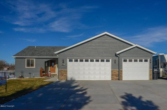 2755 Whitetail St S, Gillette, WY 82718 (MLS #17-1659) :: 411 Properties