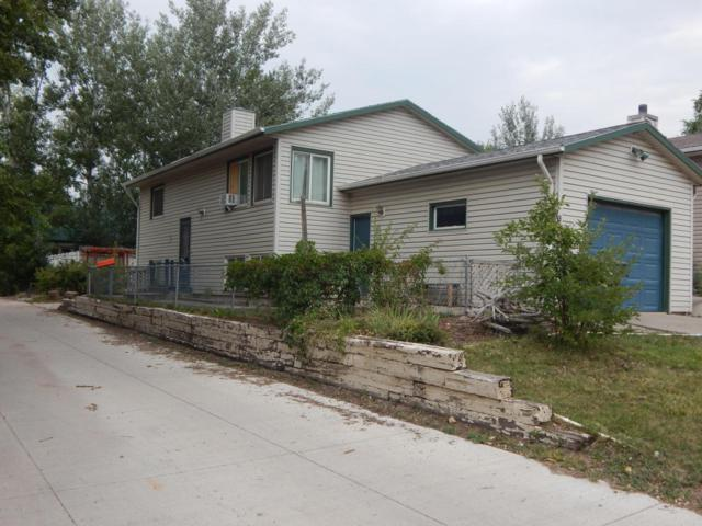 917 E 8th St E, Gillette, WY 82716 (MLS #18-1342) :: Team Properties