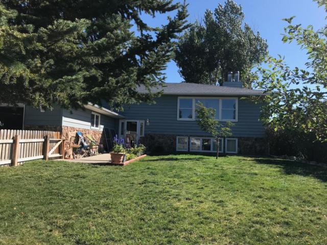 2405 Maple Ave -, Gillette, WY 82718 (MLS #18-1479) :: 411 Properties