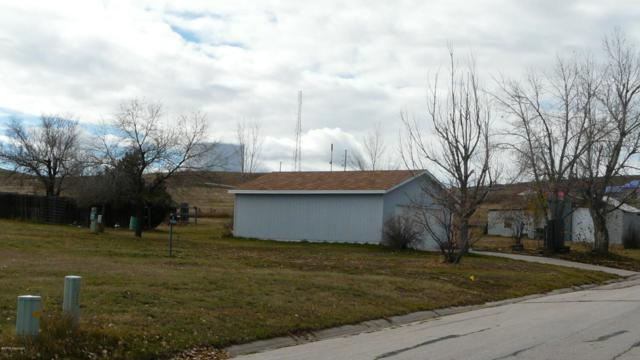 903 Chickasaw Ave, Gillette, WY 82718 (MLS #18-1651) :: 411 Properties