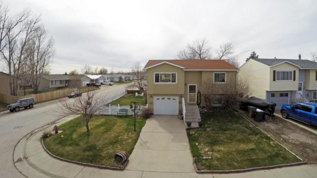 2002 Gillette Ave S, Gillette, WY 82718 (MLS #18-564) :: Team Properties