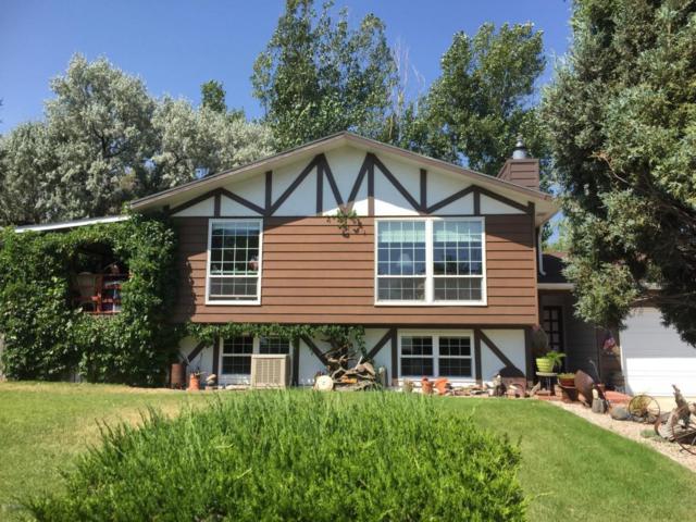 804 Cherry Ln -, Gillette, WY 82716 (MLS #18-907) :: 411 Properties