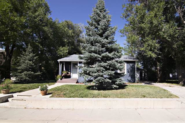 817 4th St E, Gillette, WY 82716 (MLS #19-1470) :: Team Properties