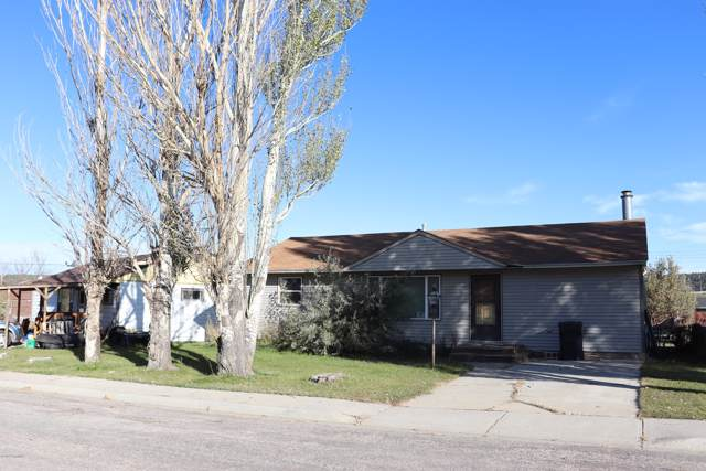 204 Roundup Ave -, Newcastle, WY 82701 (MLS #19-1557) :: The Wernsmann Team | BHHS Preferred Real Estate Group