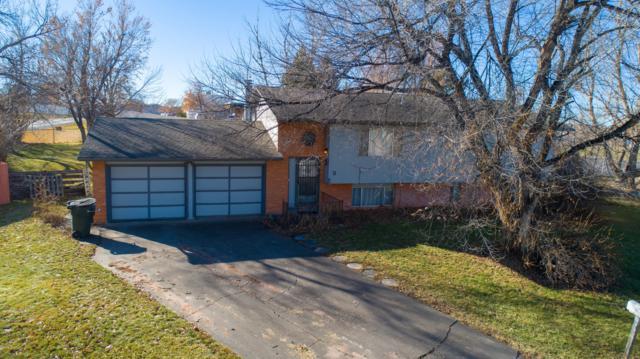 3 Sage Ct -, Gillette, WY 82716 (MLS #19-384) :: 411 Properties