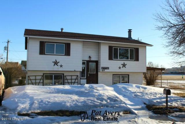 109 Sunset Drive W, Gillette, WY 82716 (MLS #19-404) :: Team Properties