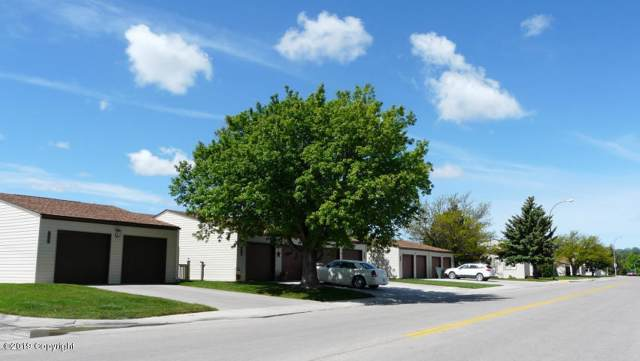 1106 E 9th St E, Gillette, WY 82716 (MLS #20-108) :: The Wernsmann Team   BHHS Preferred Real Estate Group