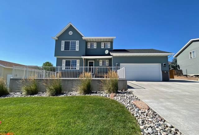 1313 Middle Fork Dr -, Gillette, WY 82718 (MLS #20-1249) :: Team Properties