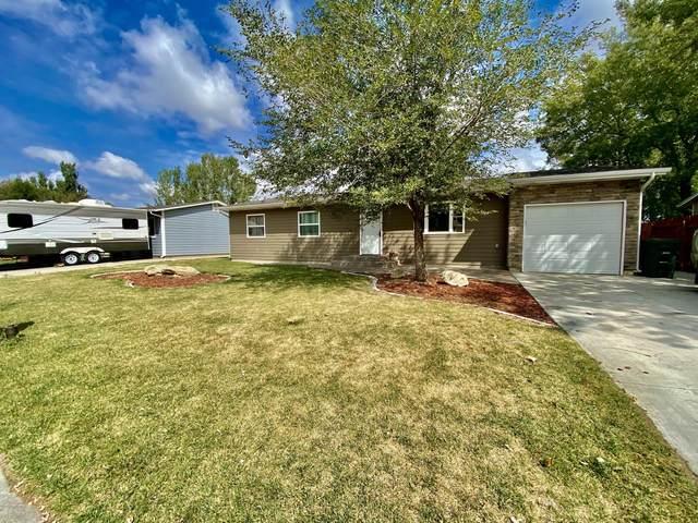 1616 Cimarron -, Gillette, WY 82716 (MLS #20-1405) :: 411 Properties